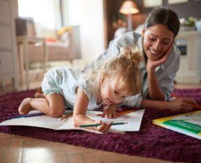Tarif babysitting : quel taux horaire demander ?